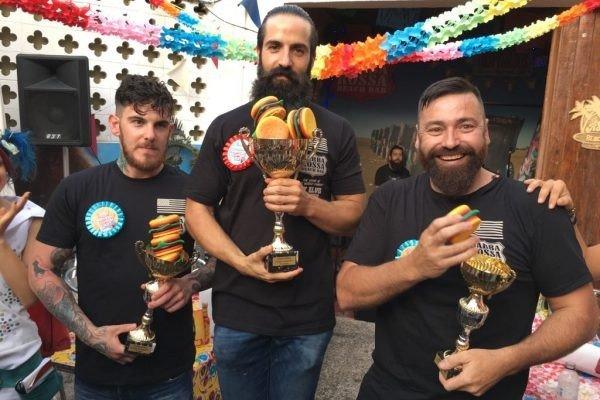 TERCER CONCURSO EUROPEO DE COMEDORES DE BURGERS de Barba-Rossa Beach Bar Castelldefels