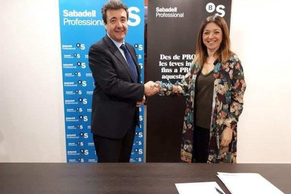El Gremi de Comerç de Castelldefels i Banc Sabadell signen un conveni de col·laboració