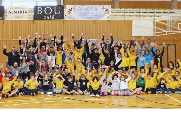 Èxit de participació de la II Jornada Solidària de l'Handbol Esportiu Castelldefels