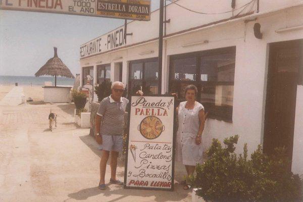 Restaurante PINEDA, discoteca Siouxsie y el mítico COMPÁS
